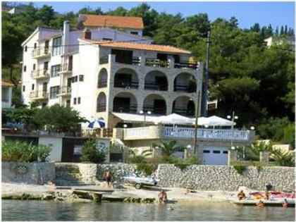 96a517e47824 Hotel Vila Tina :: Accommodation by SSM Travel